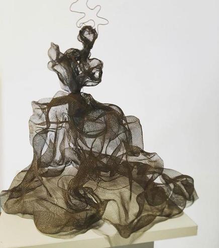 'Kadın heykel No.4', h.30cm 2019 Paslanmaz tel