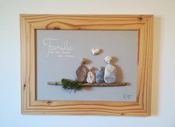 Steinbild - Stoneart, Familie vierköpfig mit Spruch Familie ist die Heimat des Herzens, Schwemmholzdeko