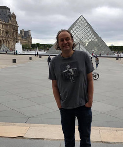 Chas in ther Louvre