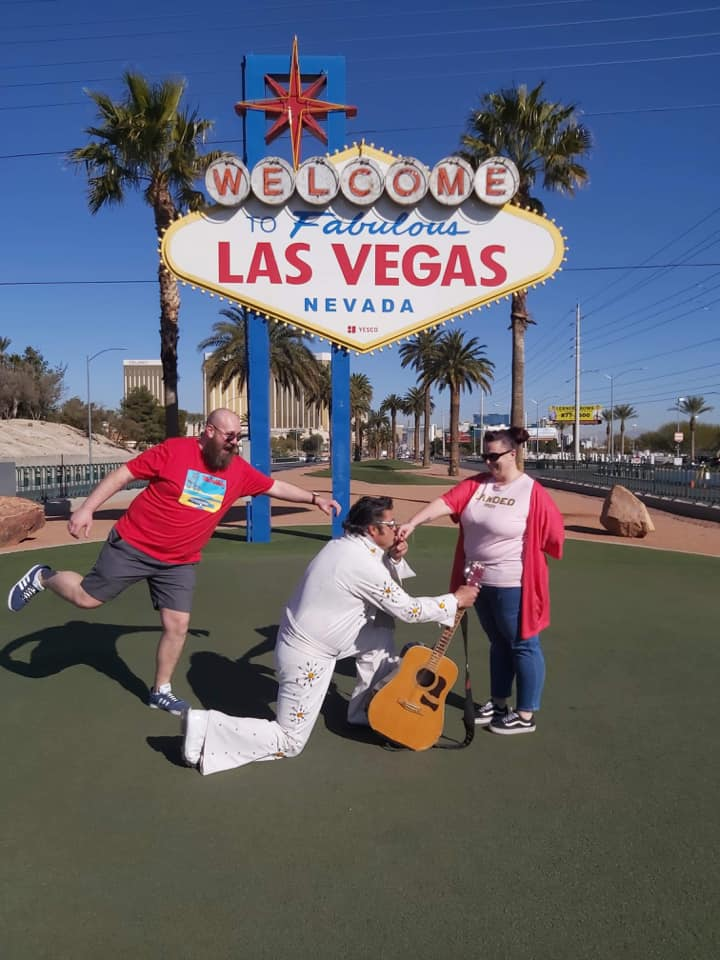 Elvis Proposes in Vegas