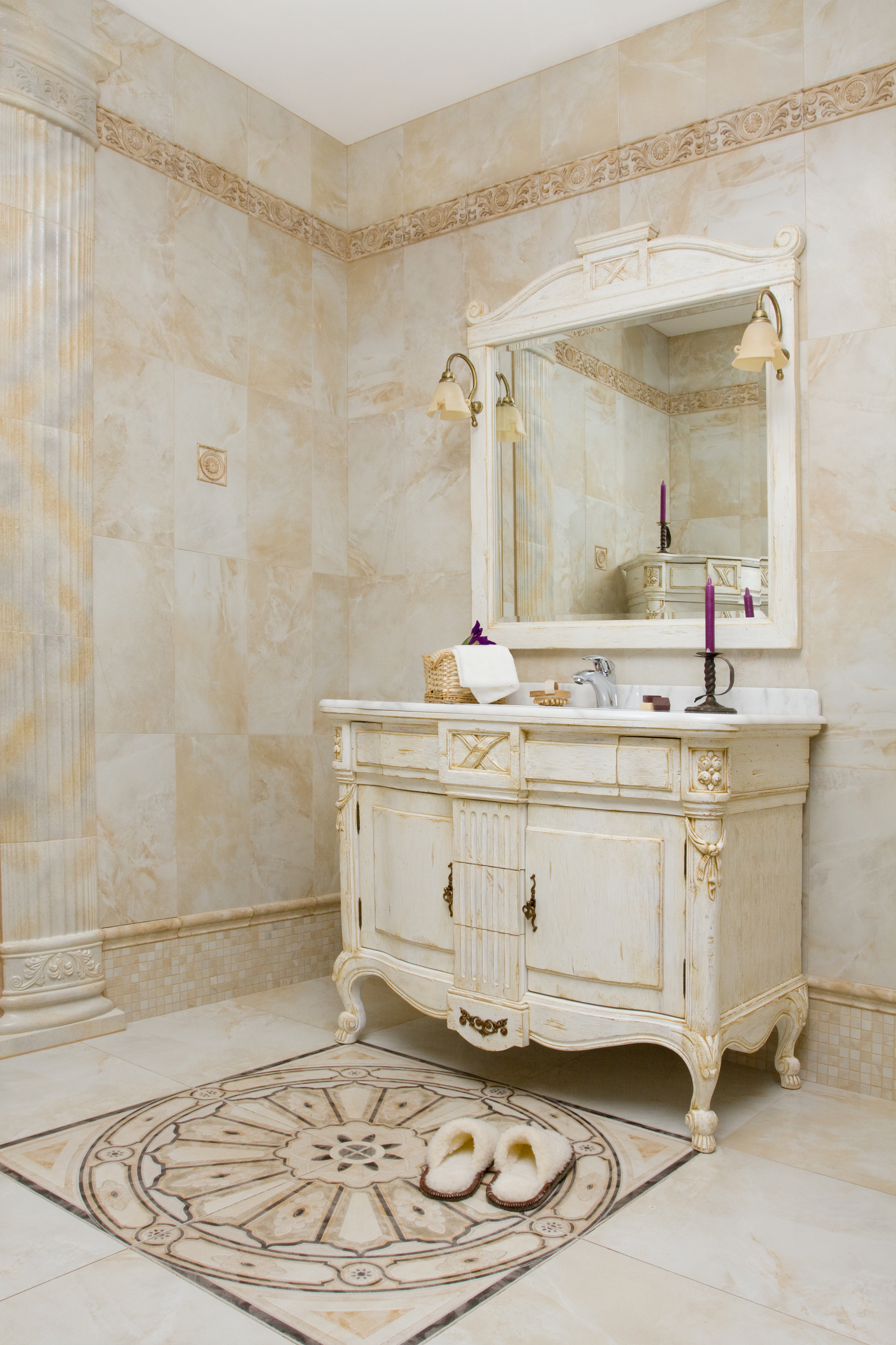 Mueble de baño estilo antiguo