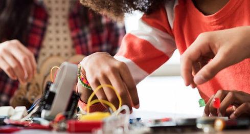 arduino-education-launches-four-new-stea