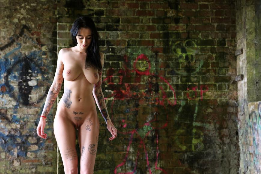 body-and-wall-vijpg