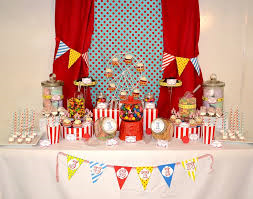 candy table carnival .png