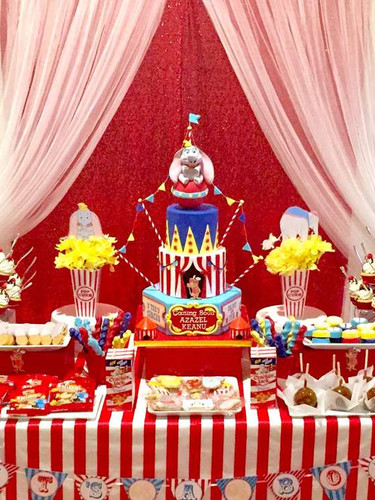 candy table carnival 2.jpg