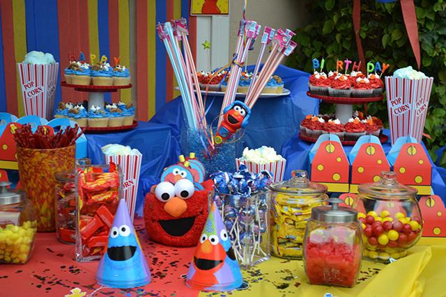 candy table elmo 3.jpg