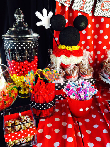 candy table mickey 2.jpg