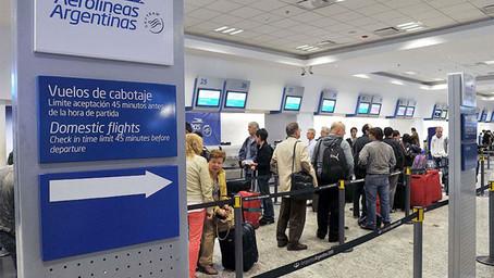 Contagios de Covid-19 en el personal de Aerolíneas Argentinas provocaron cancelación de vuelos
