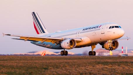 """Gobierno francés alcanzó un """"principio de acuerdo"""" para una nueva asistencia económica a Air France"""