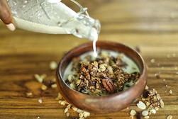 Granola milk.jpg