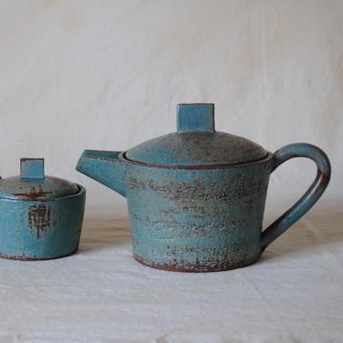 Teapot 1 with creamer and sugar jar