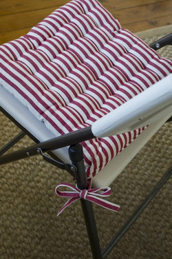 Chair pad red and white $3.30
