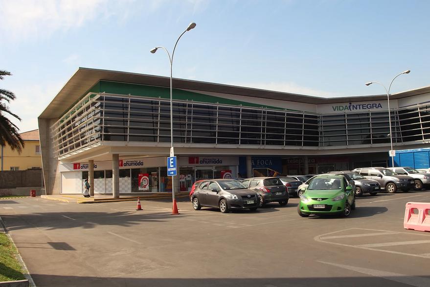 Strip Center Avenida Ossa