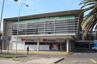 Strip Center La Reina
