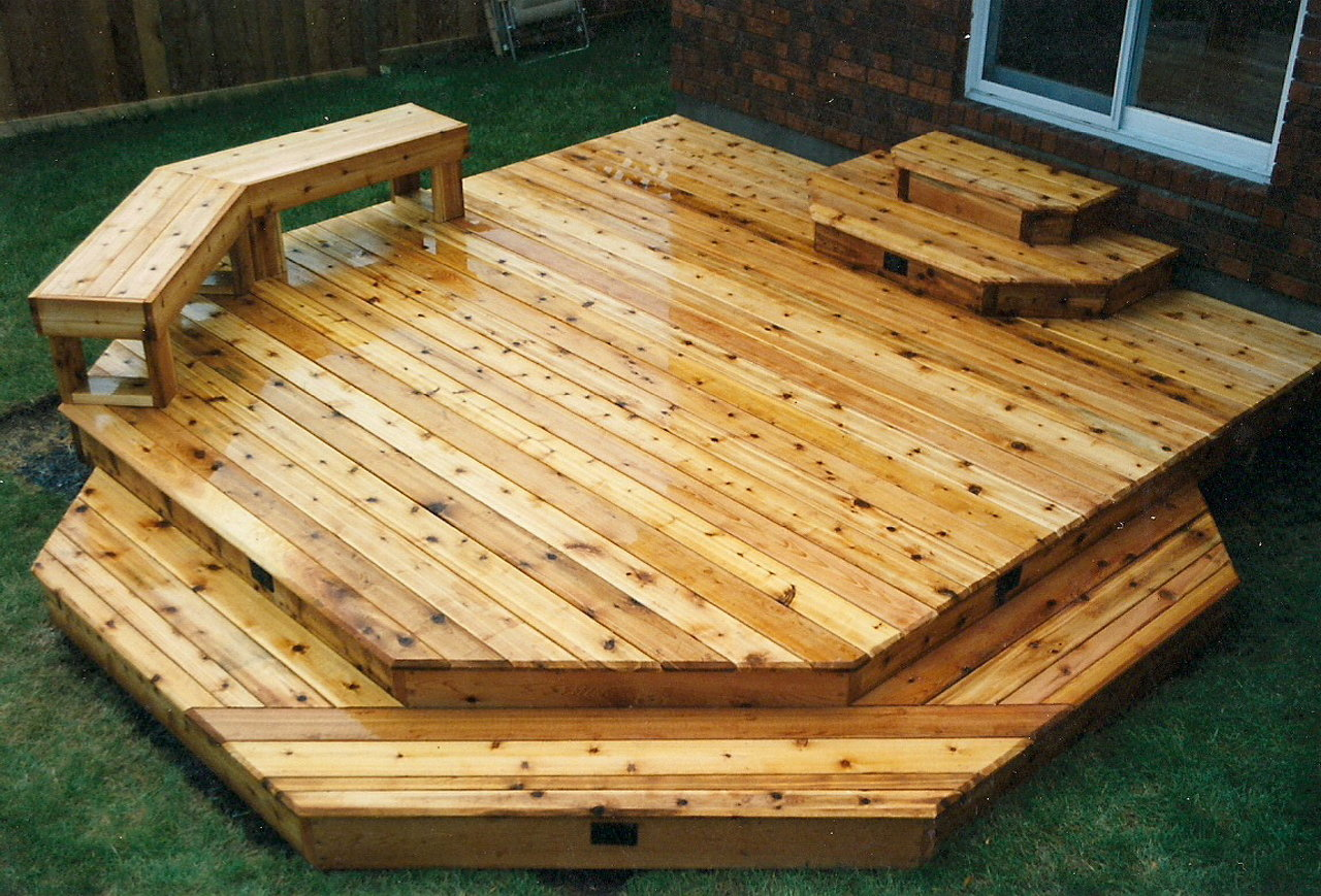 Townhouse Deck & Bench