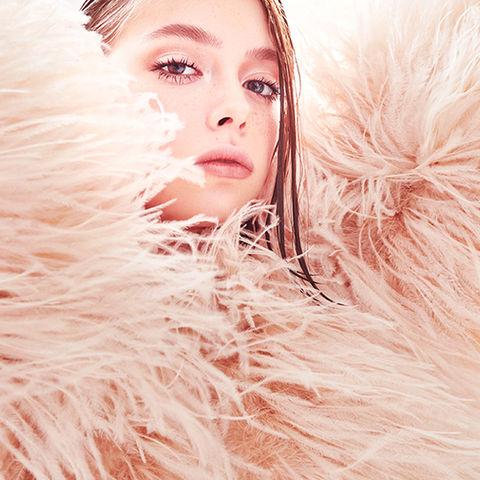 iStock-pink featherLR.jpg