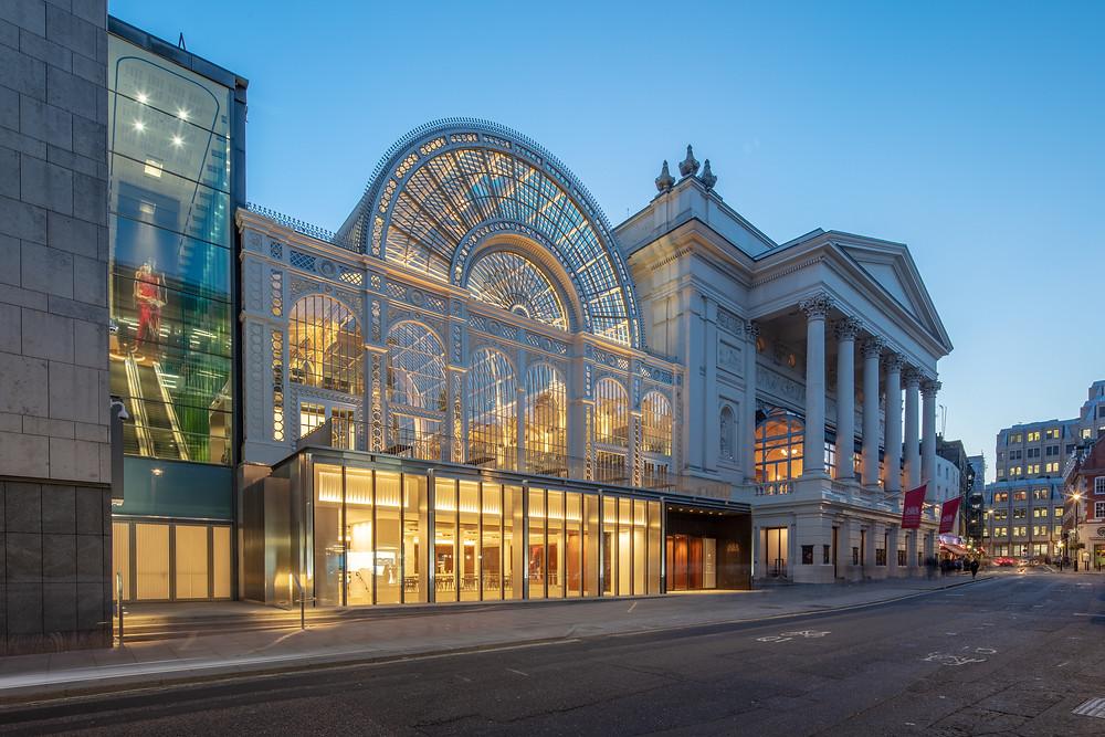 ロイヤル・オペラ・ハウスの外観 ©2018 ROH. Photograph by Luke Hayes