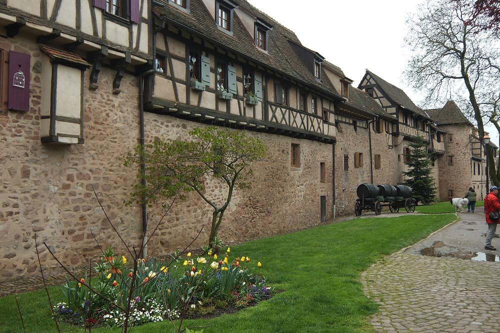 Riquewihr town walls