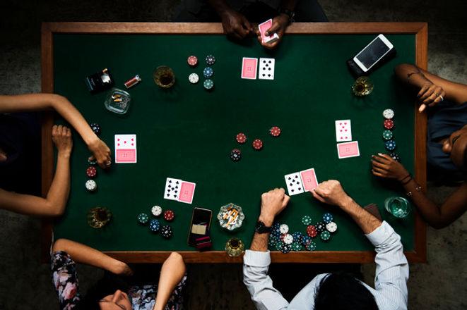 aerial-people-playing-gamble-casino_5387