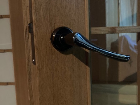 【帯広 間仕切鍵】間仕切りドアのレバーハンドルを交換しました。