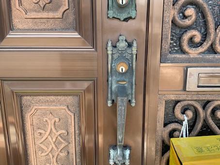 【旭川 玄関鍵】玄関ドアの錠前をフルセット交換しました。