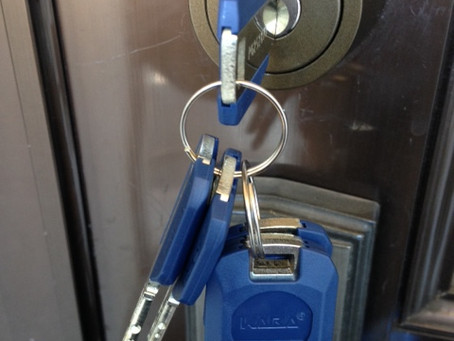 【玄関 鍵交換】鍵穴不調の為、鍵穴を交換