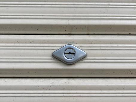 【旭川 車庫鍵】車庫シャッターの鍵穴を交換しました。