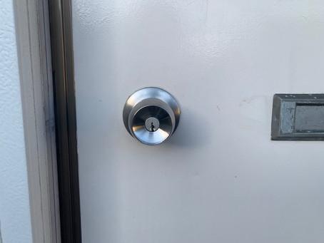 【帯広 玄関鍵】玄関ドアノブの交換をしました。