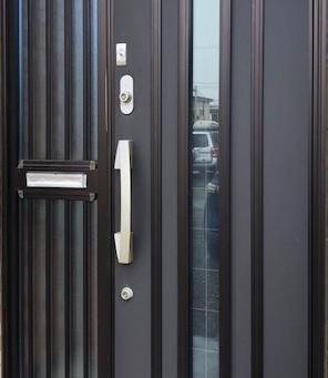 【旭川 防犯】玄関ドア防犯対策(ポスト)をしました。