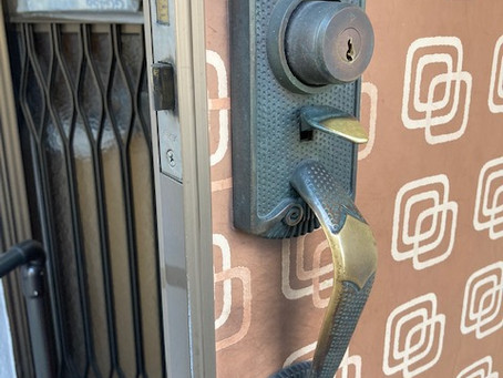 【旭川 玄関鍵】玄関ドア(アルファ)鍵穴が不調な為、交換作業しました。