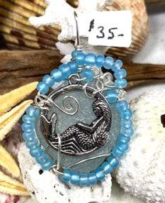 WP Pale cola & crescent mermaid Pendant 4326