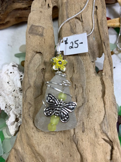 WP White Seaglass & Butterfly Pendant 4346