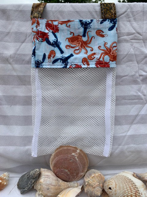 WP Lg Beach Combing Bags:  Seafood Soup