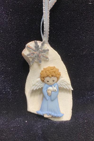 Seashell Ornament: Angel Holding Bunny