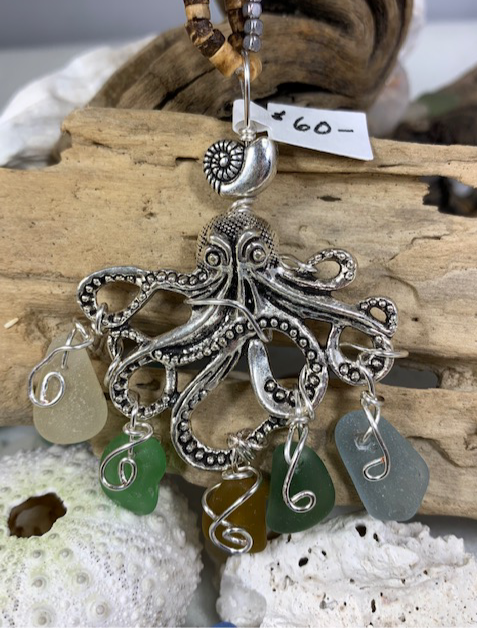 WP Large Octopus w/ Multicolor Seaglass Dangles Pendant 4328