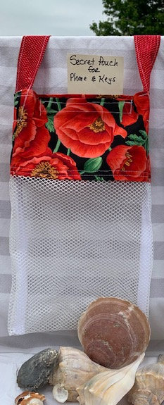 WP Lg Beach Combing Bags: Poppies