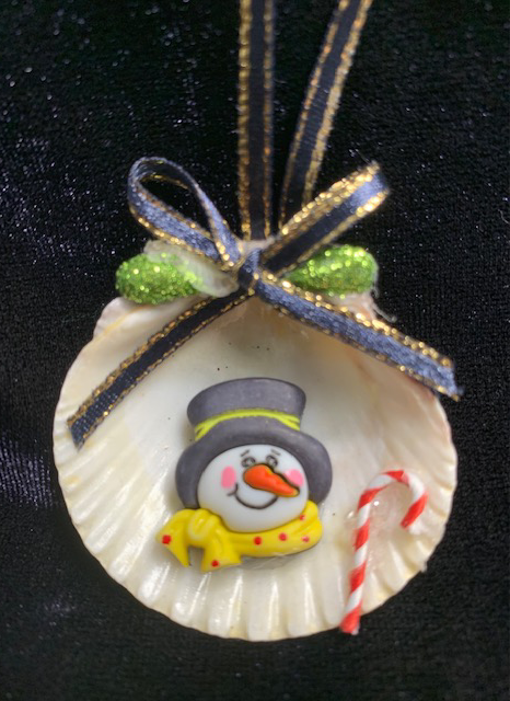 Seashell Ornament:  Snowman w/ Yellow scarf & Top hat