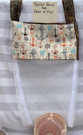 WP Lg Beach Combing Bags: Wooden Anchors