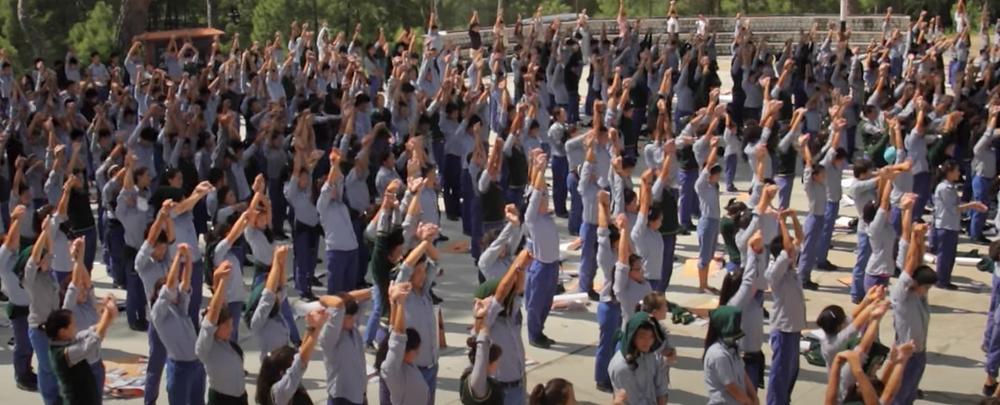Le 5ème mouvement du Lu Jong réalisé par les élèves du Tibetan Children Village