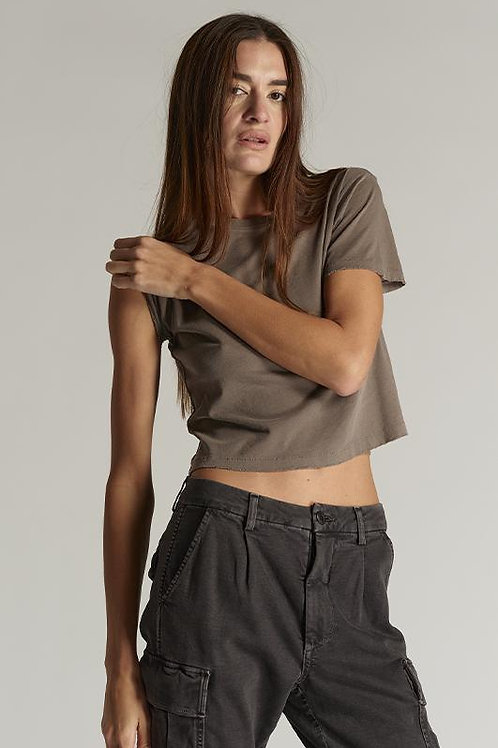 Amo Babe Tee in Olive