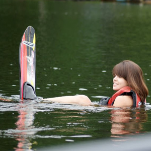 Woman-in-Water-with-Single-Waterski.png