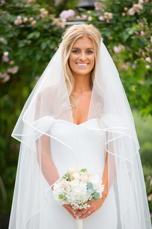 couple, portrait, session, kingscote, barn, cotswolds, informal, relaxed photography, bride portrait,