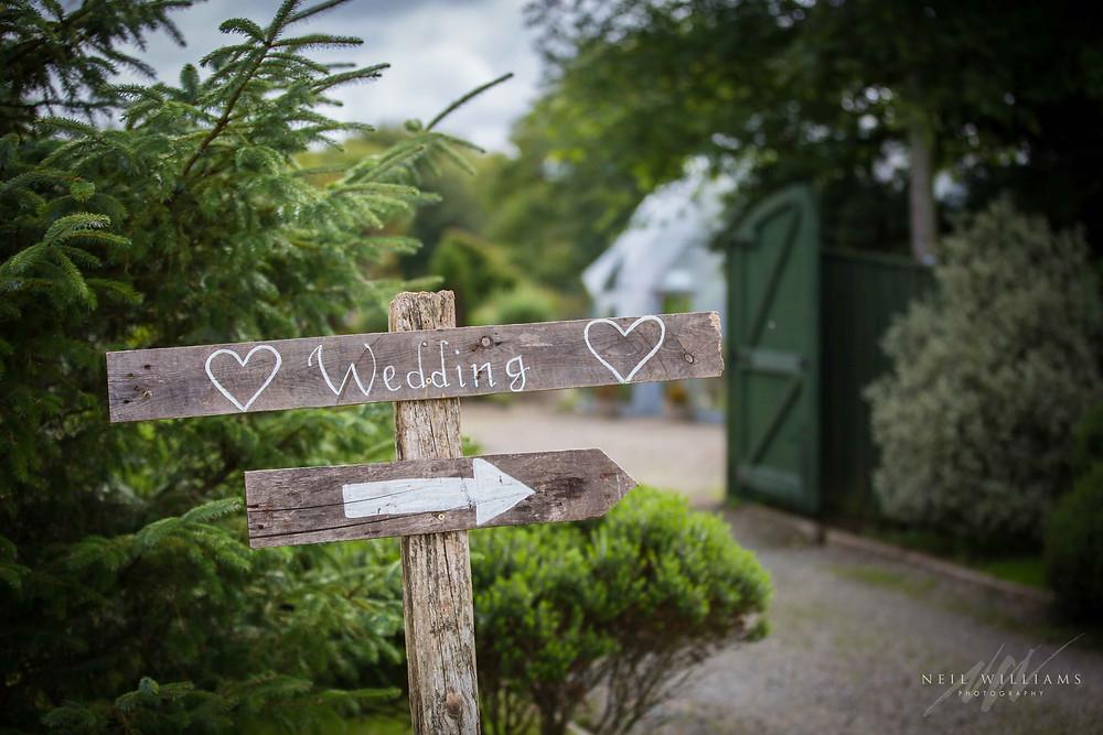 pembrokeshire, neil williams photography, outdoor wedding, hilton court, happy couple, summer wedding, best welsh wedding photographer, wedding,