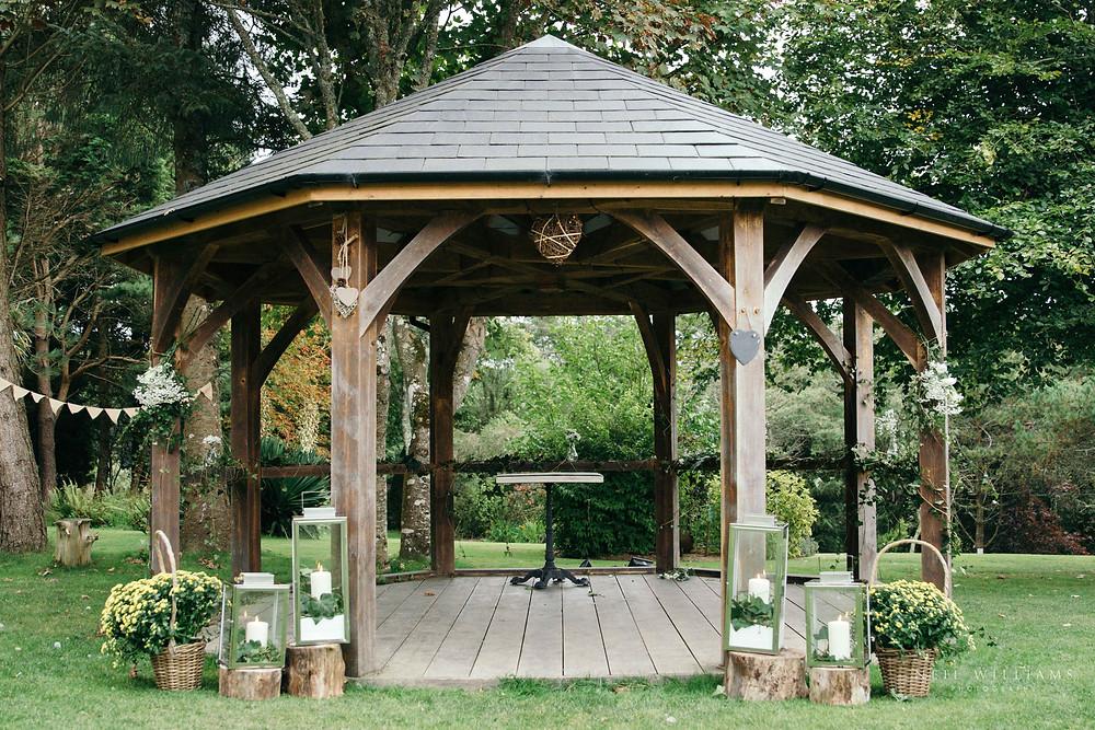 hilton court, wedding venue, pembrokeshire, outdoor wedding