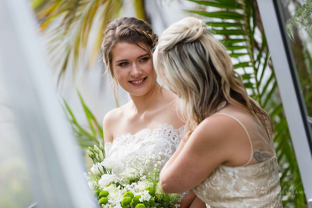 pembrokeshire, neil williams photography, outdoor wedding, hilton court, happy couple, summer wedding, best welsh wedding photographer, wedding, guests, mother of the bride, walking down the aisle