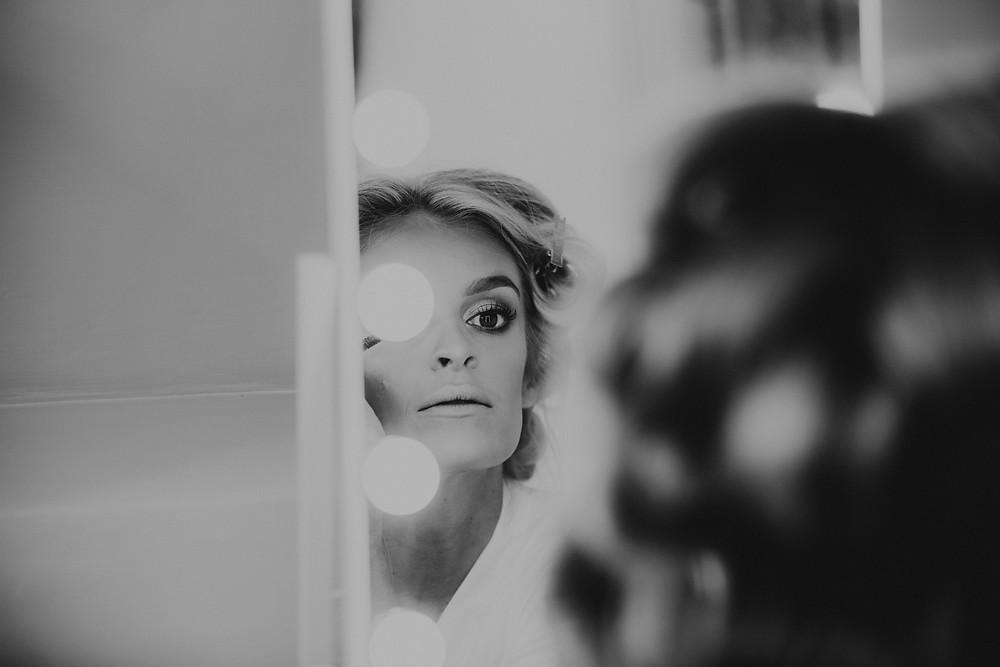 the cotswolds, wedding, venue, kingscote, barn, gloucester, cheltenham, best, photographer, photography, rustic, alternative, neil, williams, bridesmaids, bridal, make-up, hollywood mirror, portrait