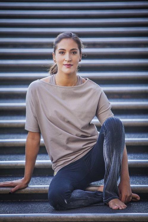 Urban Goddess Losse yoga top