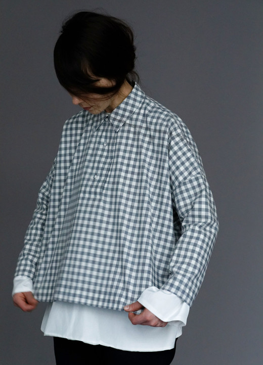 Shirt : BRIGITTE Grey check Shirt : SILVAN White