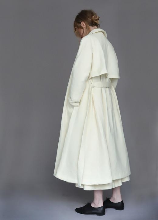 Coat : CECILIA Ivory