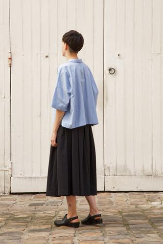 Shirt : BRIGITTE Light blue Skirt : SOLANGE Black